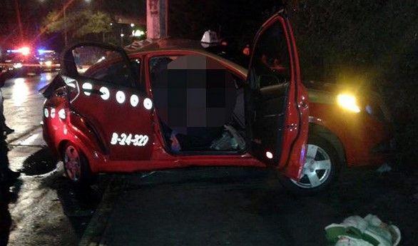 Choque de taxi deja un muerto y 3 heridos - Choque de taxi en Iztapalapa. Foto de Excélsior