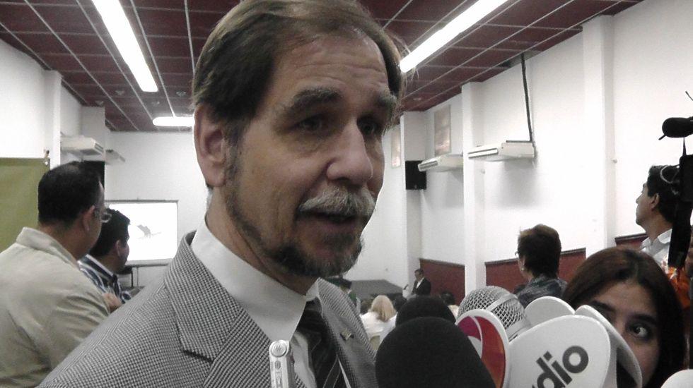 Basave obtiene licencia para ir por dirigencia del PRD - Foto de archivo