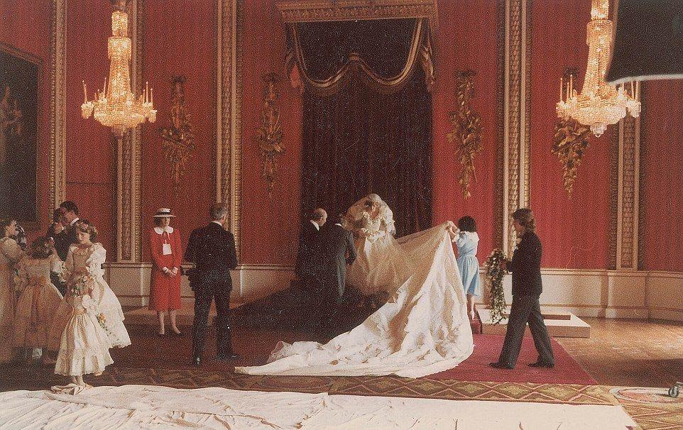 Imágenes nunca antes vistas de la boda de Carlos y Diana