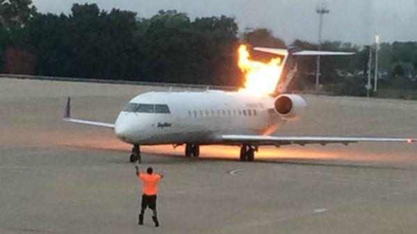 Avión se incendia cuando despegaba en Estados Unidos