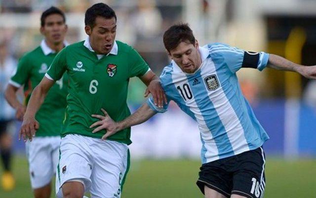 Amistoso entre Argentina y Bolivia se pactó en una cárcel - Foto de FIFA
