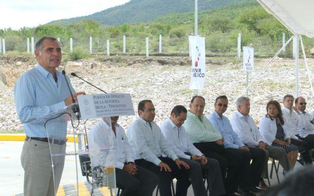 Inauguran Cué y Ruiz Esparza autopista Mitla-Tehuantepec