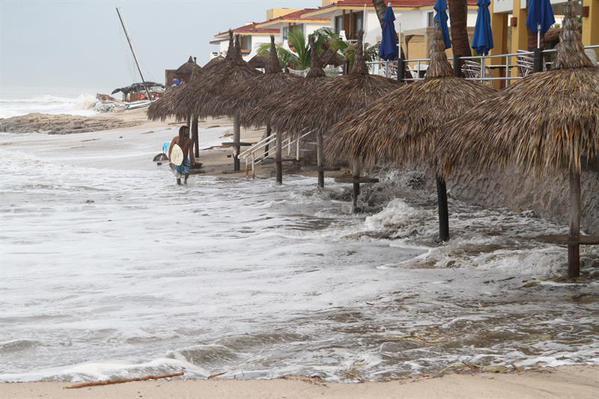 Protección Civil suspende clases en BCS por huracán Linda - Foto de Foro TV