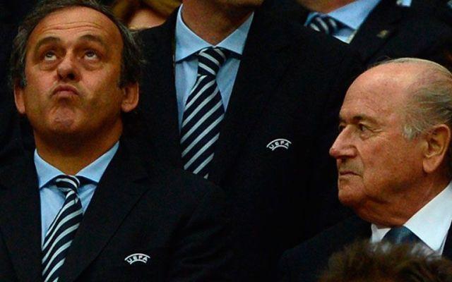Comisión de ética de FIFA pide sanciones contra Blatter y Platini - Michel Platini y Joseph Blatter. Foto de ecofoot.fr