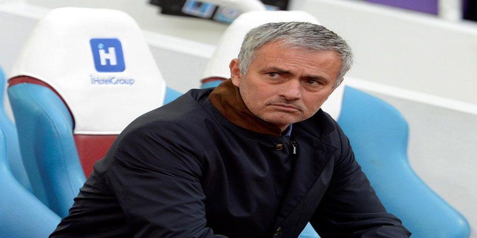 Acusan a Mourinho de conducta inapropiada
