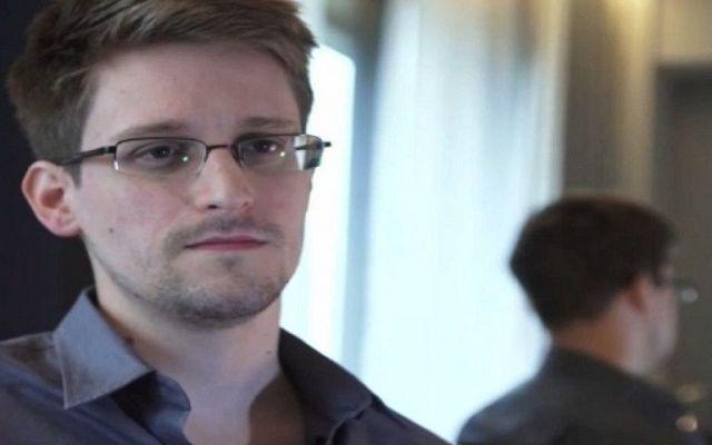 Aprueba Parlamento Europeo retirar cargos contra Snowden