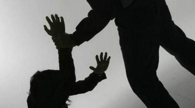 Ataca a machetazos a su esposa y sus dos hijos - Foto Especial
