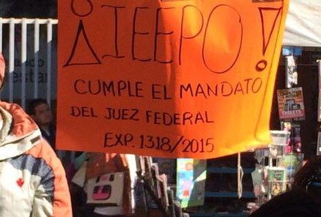 CNTE bloquea autopista en Oaxaca - Foto de Milenio