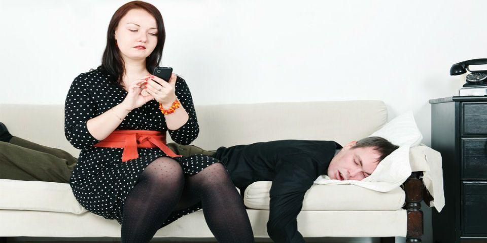 Espiar el celular de tu pareja podría llevarte a la cárcel - Foto de Unocero.com