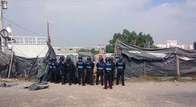 Desalojo en Iztapalapa deja nueve detenidos