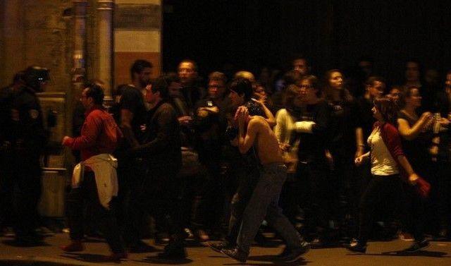 Buscan a atacante fugitivo en París - Foto: EPA
