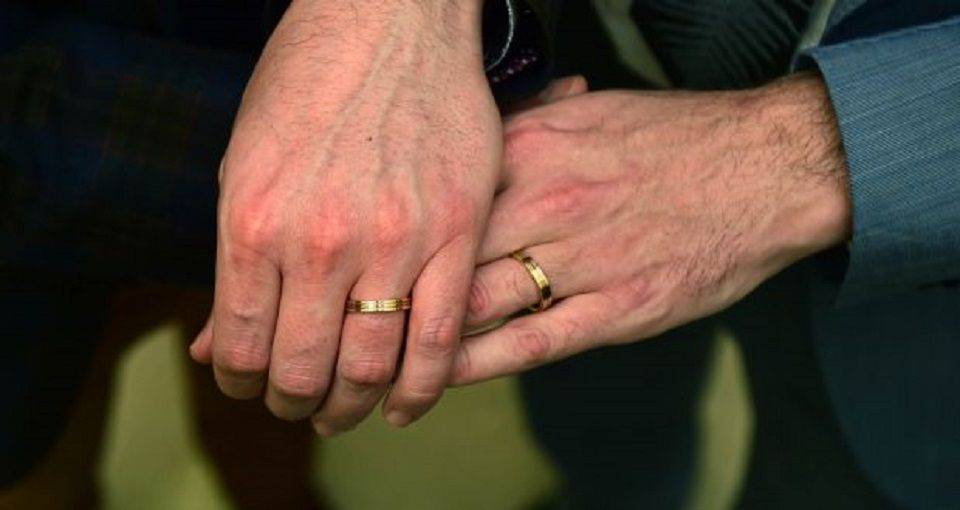 Irlanda celebra primer matrimonio entre personas del mismo sexo