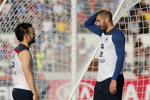 Karim Benzema y Mathieu Valbuena. Foto de AP