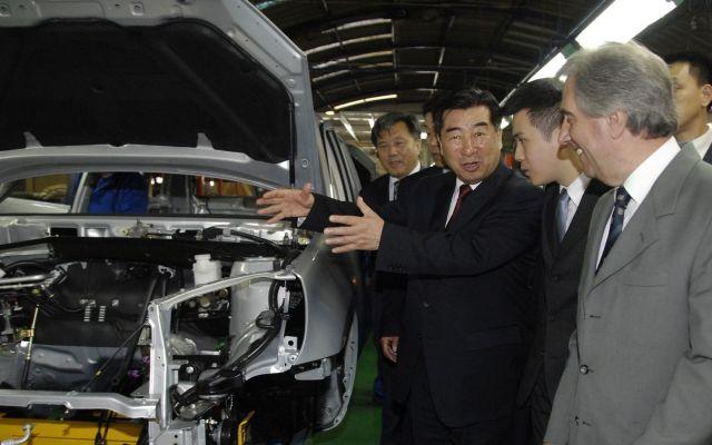 """China produce """"clones"""" de vehículos occidentales - Armadoras chinas - Foto de internet"""
