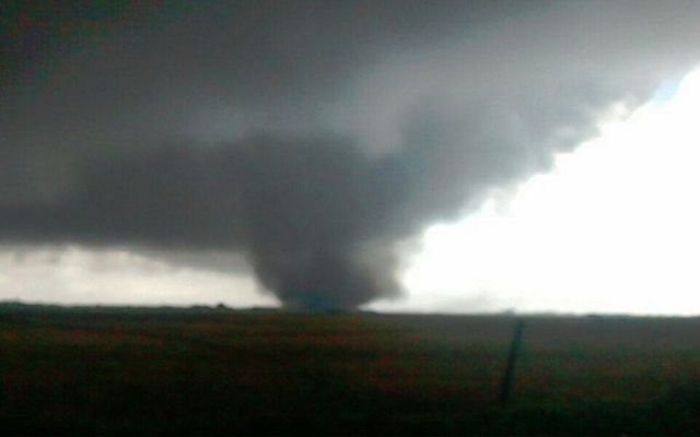Captan fuerte tornado en Argentina
