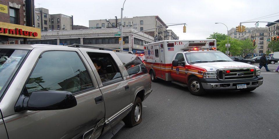 Expertos buscan mejorar seguridad vial de conductores y peatones