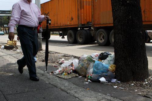 ¿Cuánto cuesta la multa por tirar basura en la calle?