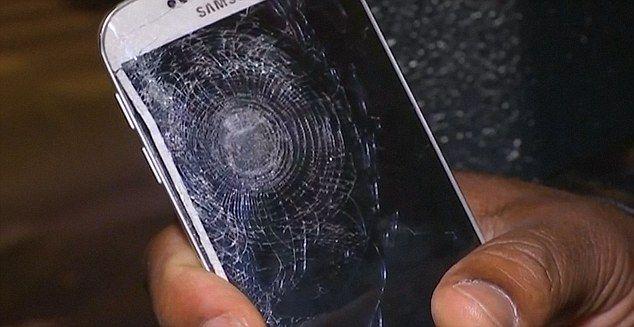 Celular le salva la vida en ataques en París - Foto: internet