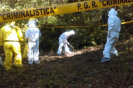Encuentran otra fosa con un cuerpo en Carrizalillo, Guerrero