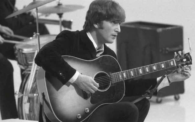 Rompe récord subasta de guitarra robada a John Lennon - Foto de internet