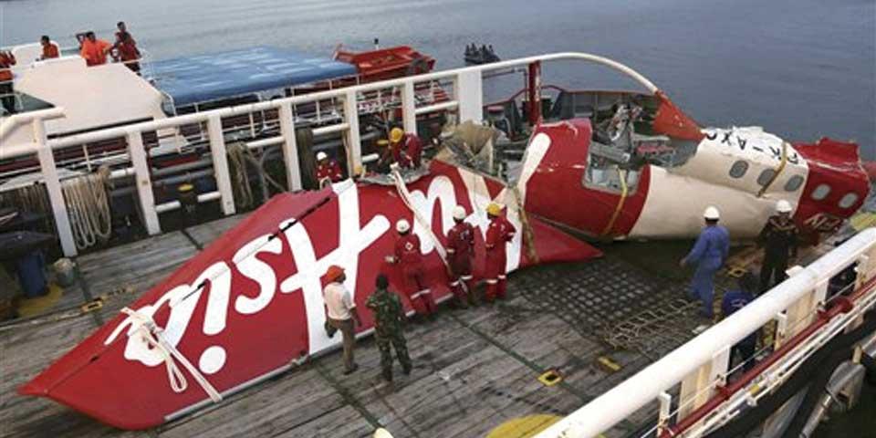 Fallo en sistema de timón provocó caída de avión de AirAsia - Foto de AP