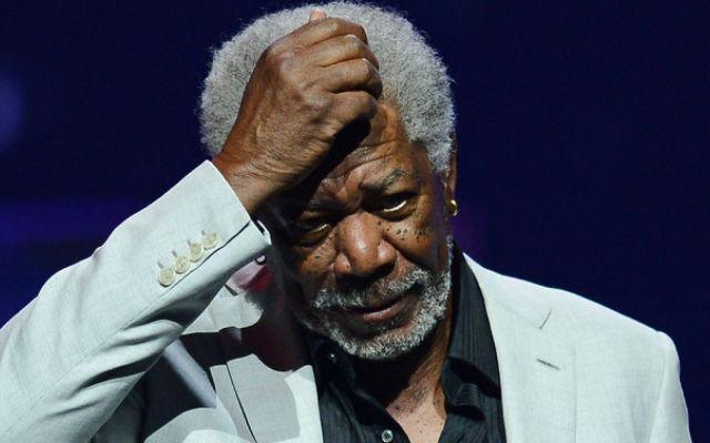 Aterriza de emergencia avión de Morgan Freeman