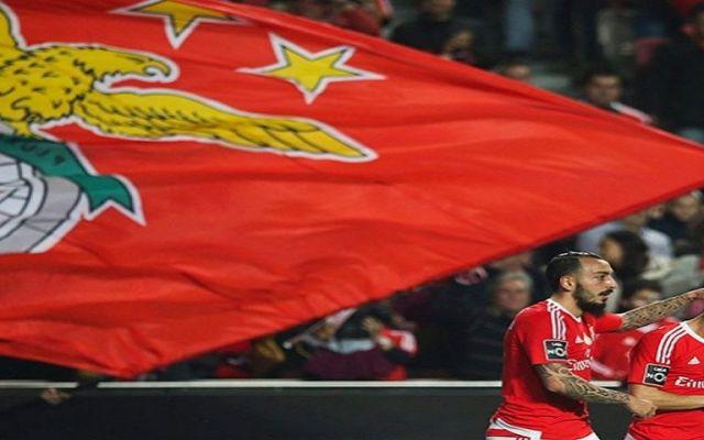Benfica hila octavo triunfo consecutivo. Jiménez jugó 5 minutos