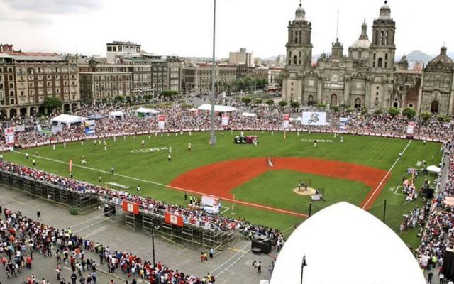 Carlos Valencia se corona campeón del Home Run Derby del Zócalo - Foto de Las Mayores