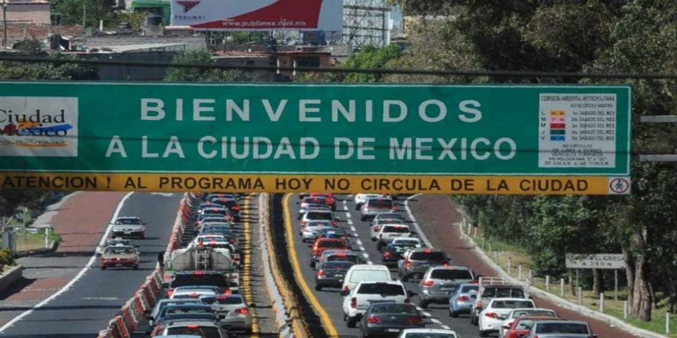 Deficiente transporte público y corrupción en verificentros, causas de contaminación: Mario Molina - Foto de internet