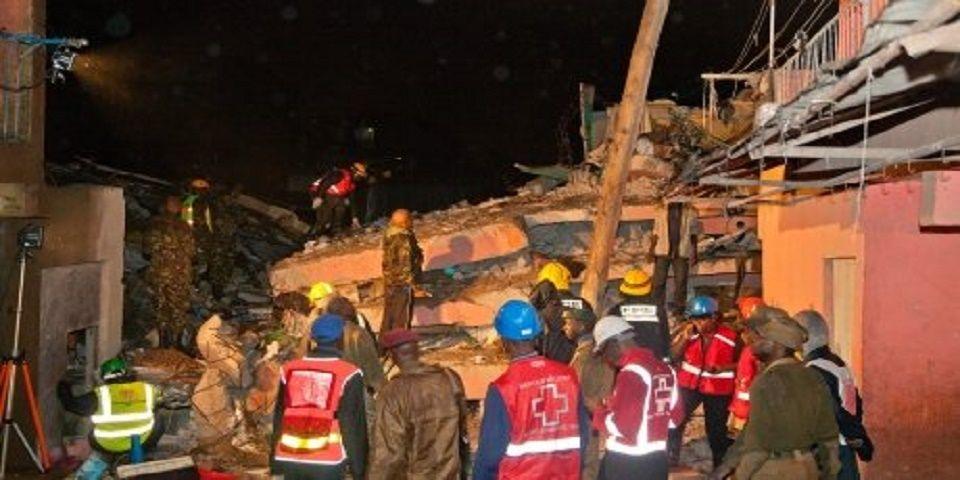 Tres muertos y más de cien atrapados tras colapso de edificio en Kenia