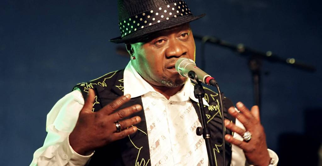 Cantante muere durante concierto - Foto de AFP