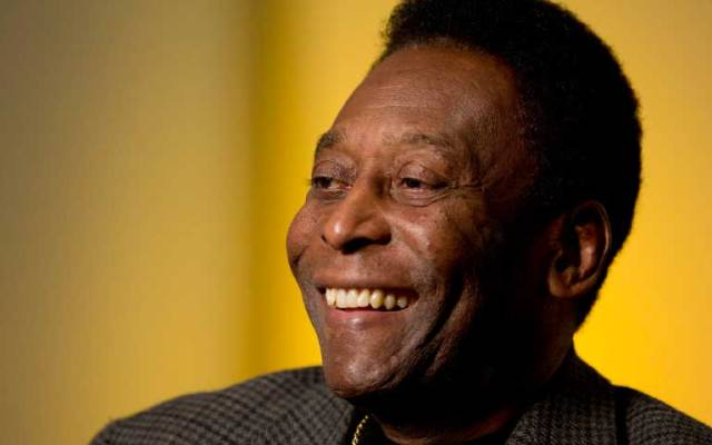 Captan a Pelé con andadera - Foto de Huffington Post