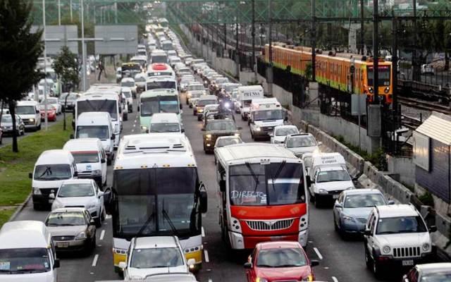 Multarán a automovilistas que incumplan 'Hoy no Circula' en Edomex - Foto de archivo