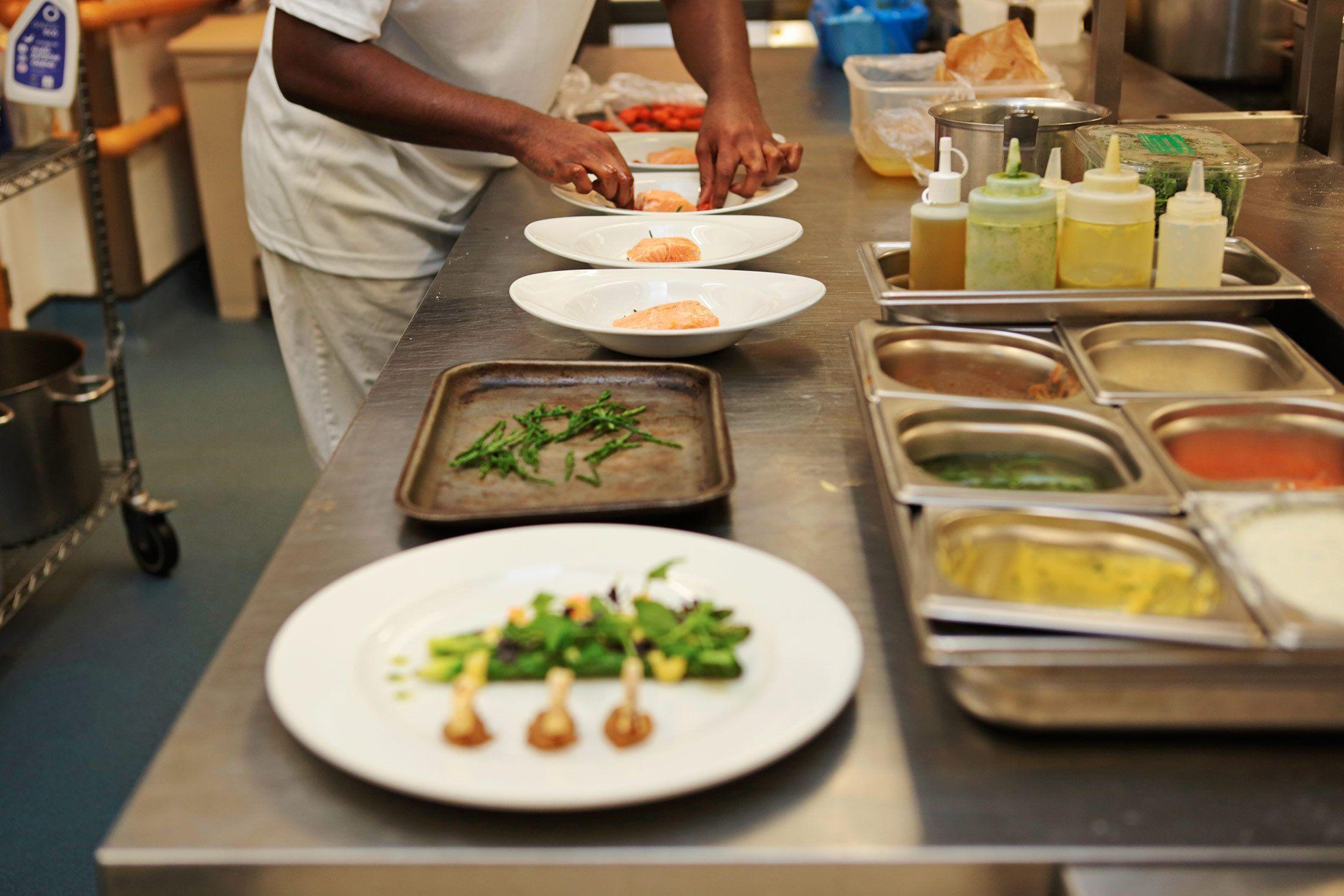 Magnífico Cocina Cocina Ideas De Diseño Del Reino Unido Cresta ...