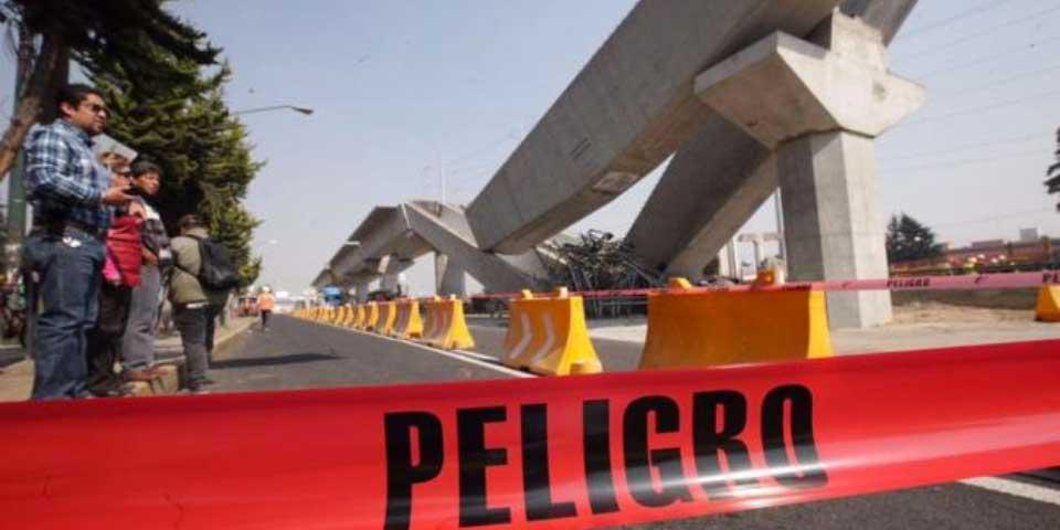 Colapsan ballenas del Tren México-Toluca - Foto de El Universal