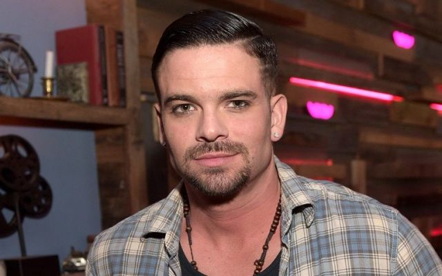 Acusan a actor de Glee de violación - Mark Salling. Foto de Just Jared.