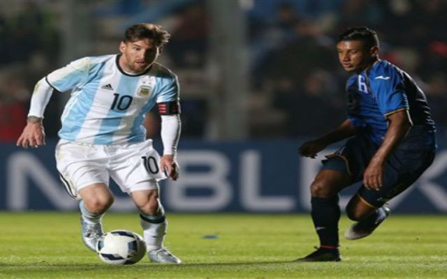 Messi sufre lesión en las costillas - Foto de AP