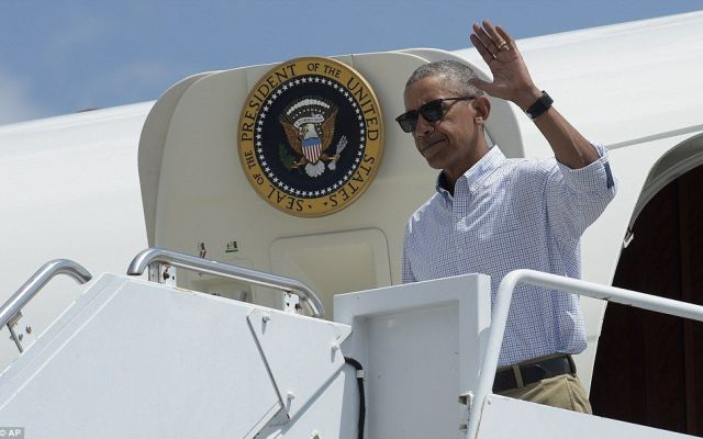 Barack Obama visita zonas de Luisiana afectadas por inundaciones