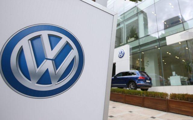 Volkswagen llama a revisión 136 mil autos por falla en los frenos - Foto de EPA