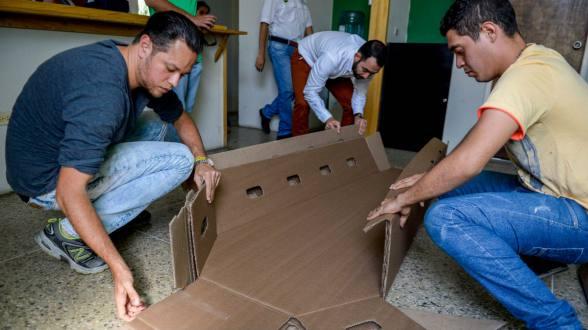 Venden en Venezuela ataúdes de cartón