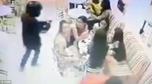 Video: ejecuta a hombre que comía helado con su novia