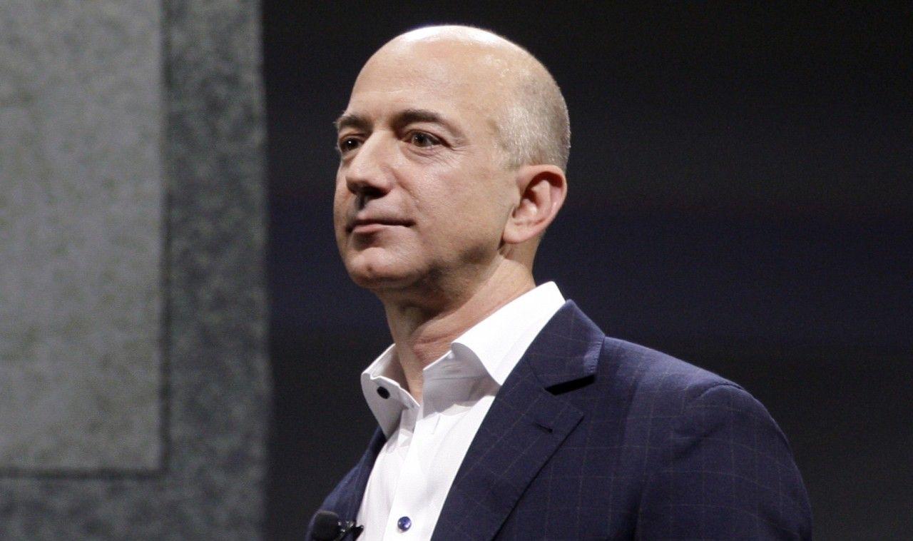 Hermano de la amante de Bezos fue la fuente del Enquirer