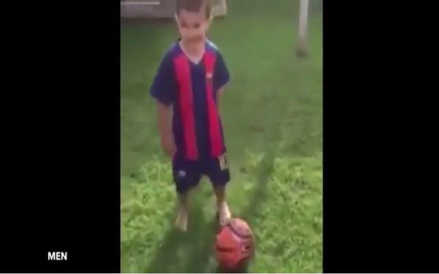 El niño de tres años que ha sido contratado por el Manchester City