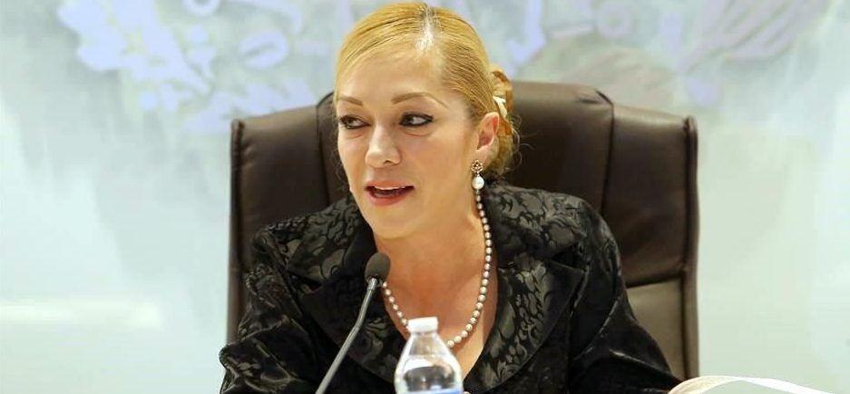 Alcaldesa revela que su ropa es pirata - Foto de Internet