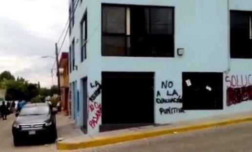 Encapuchados atacan y roban a personal del IEEPO en Oaxaca - Foto de Excélsior