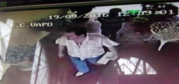 Video: captan al sacerdote de Puruándiro entrando a hotel con un menor - Foto de Quadratín