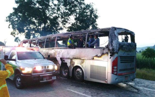 Accidente en la Córdoba-Veracruz deja 13 muertos - Foto de El Mundo de Córdoba