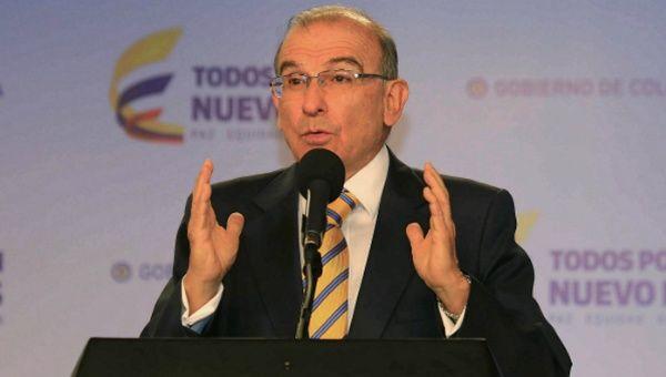 Negociador de la paz en Colombia presenta su renuncia tras triunfo del No