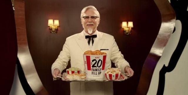 Mujer demanda a KFC porque un anuncio mostraba demasiado pollo