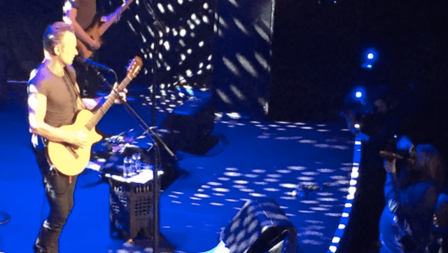 Video: Sting pide minuto de silencio en la reapertura de Bataclan